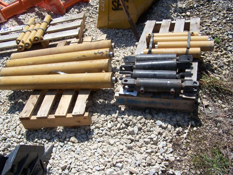 various cat 33t, cat hoe, other 6-13t tilt 239402 049