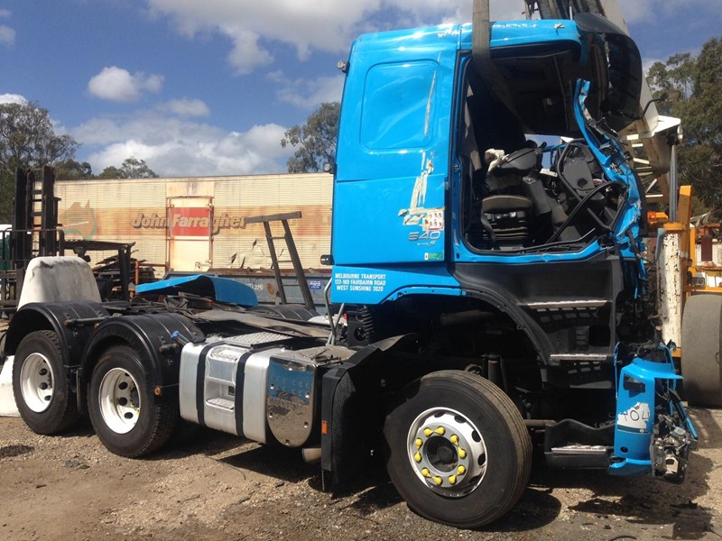 volvo fh13 239313 001