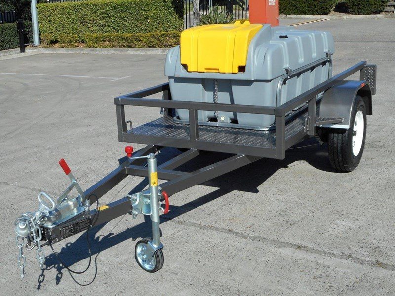 lockable & secure poly diesel fuel trailer 800l enclosed [on road] [tfpoly] [attftrail] 243068 007