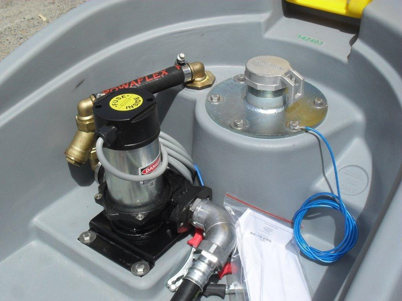 lockable & secure poly diesel fuel tank 200l / diesel unit [dmp200-std] [tfpoly] 243018 009