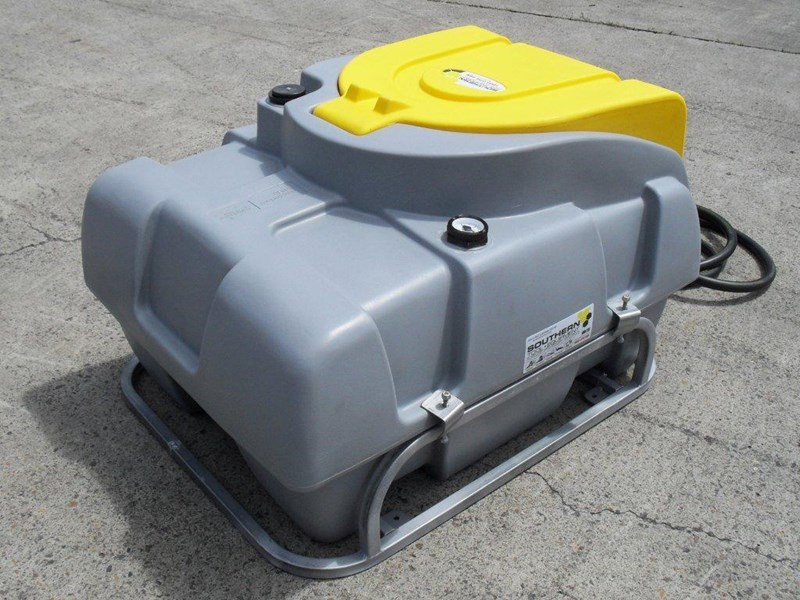 lockable & secure poly diesel fuel tank 200l/ unit with mounting frame [dm200mf] [tfpoly] 243024 003