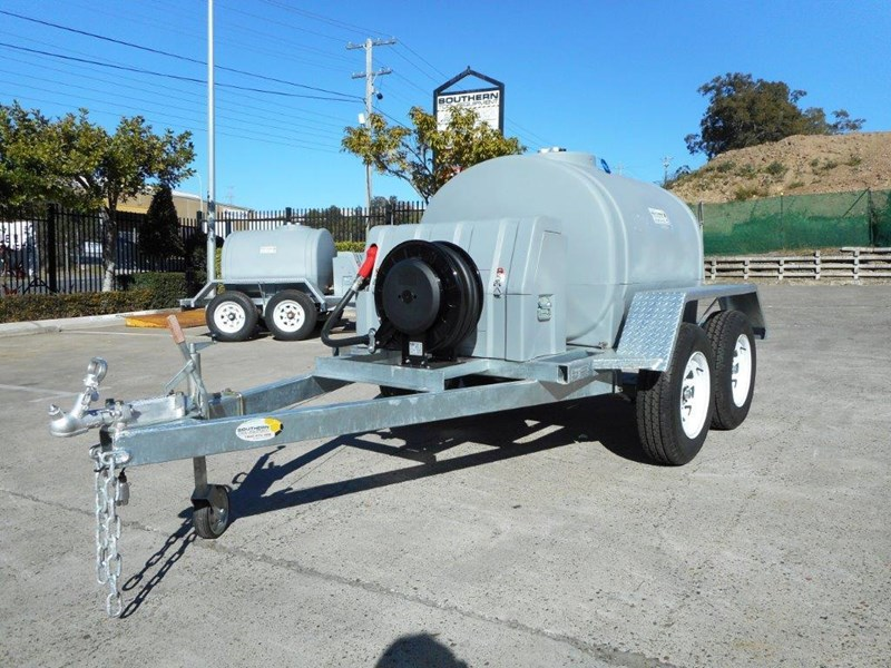 lockable & secure poly 1200l diesel fuel tank trailer with tool box [on road] - 12v 85l diesel pump unit [tfpoly] [attftrail] 243079 005
