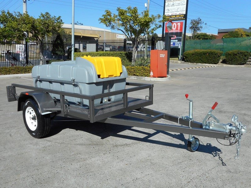 lockable & secure poly diesel fuel trailer 800l enclosed [on road] [tfpoly] [attftrail] 243068 003