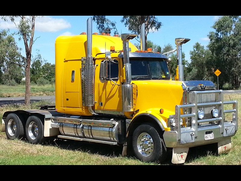 western star 4900 fx constellation 244120 002