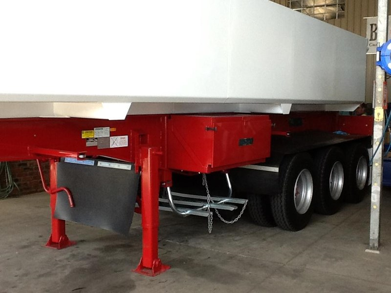 haulmark triaxle side tipper 250540 004