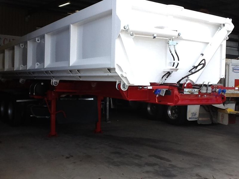 haulmark triaxle side tipper 250540 006