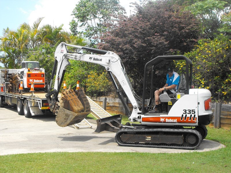 earthmoving 3 piece 5 ton combo - excavator, bobcat & flat bed truck 252602 005