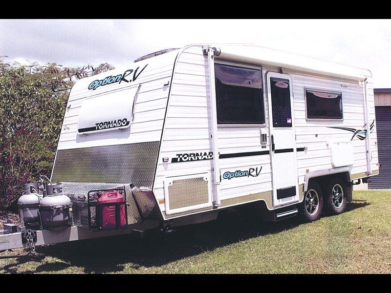 option rv tornado 255004 001