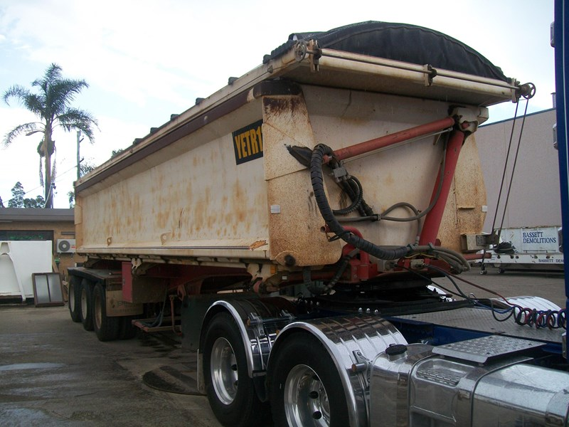 kennedy 3/2012 side tipper 259732 002