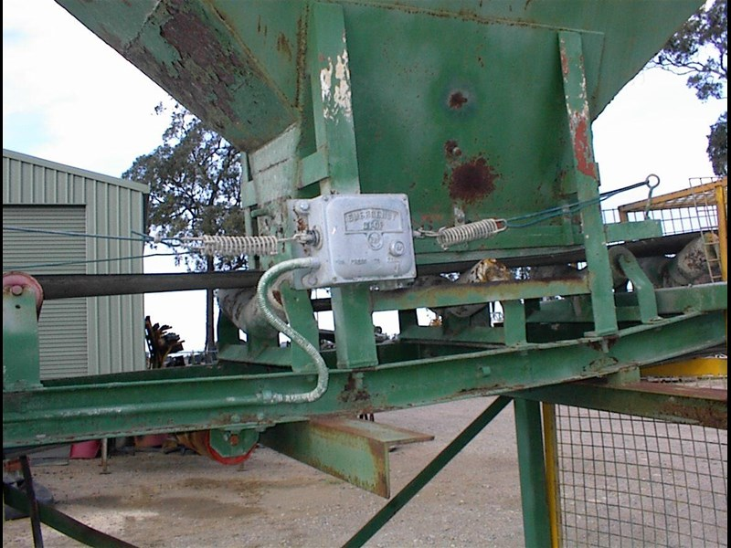 custom built bag filling conveyor bin 260608 013
