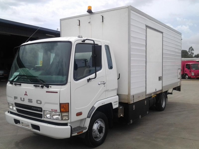fuso fighter 5 266342 001