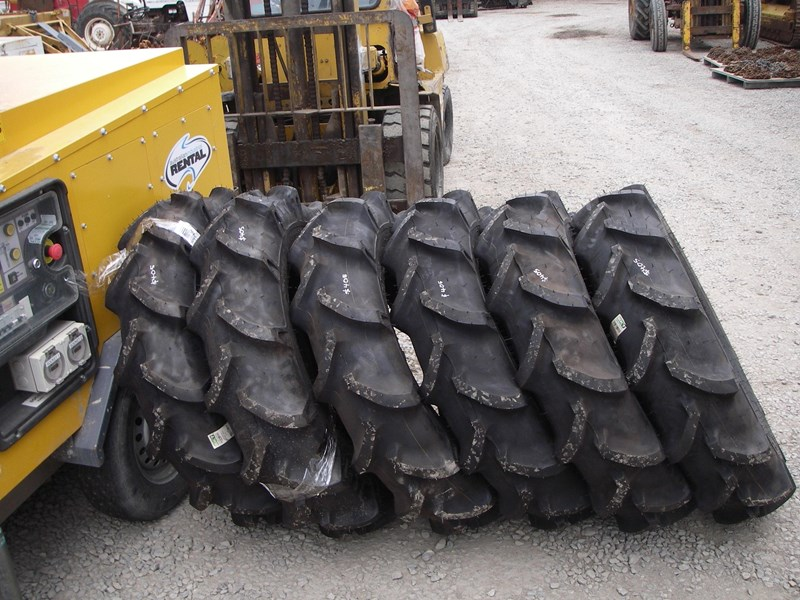various tyres 9.5 x 22 (new) 278137 001