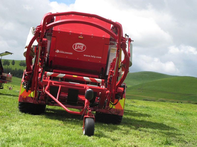 lely welger rpc 245 tornado fixed round baler wrapper combination 280706 003
