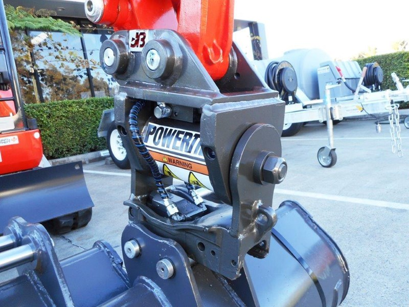 jb attachments kubota u17, u25 excavators hydraulic power tilting quick hitch [jb017] [attbuck] 281474 007
