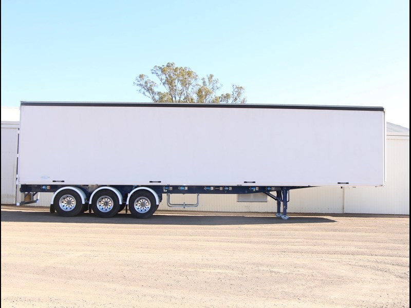 freighter 45ft auto hold curtainsider trailer 283052 001