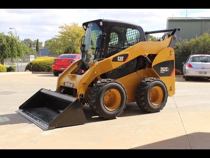 caterpillar 262c skid steer loader 283126 015