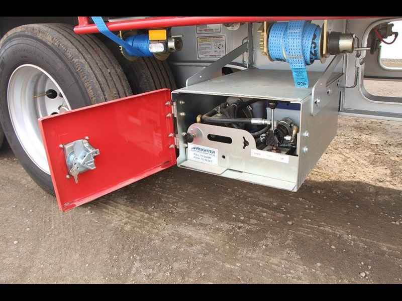 freighter 45ft drop deck trailer with rear hydraulic ramps 283022 010