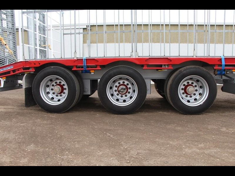 freighter 45ft drop deck trailer with rear hydraulic ramps 283022 004