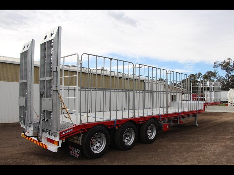 freighter 45ft drop deck trailer with rear hydraulic ramps 283022 005
