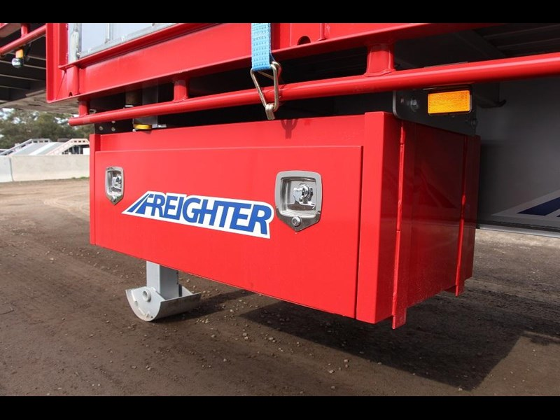 freighter 45ft drop deck trailer with rear hydraulic ramps 283022 007