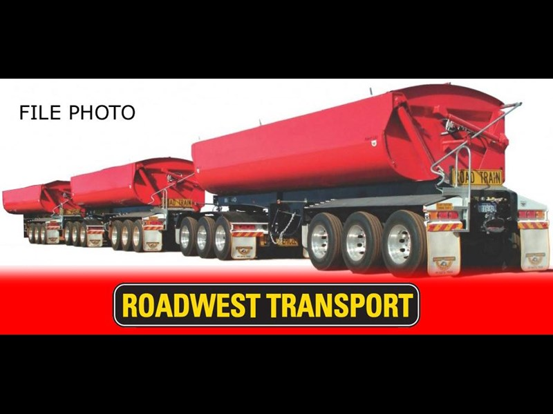 road west roadwest triple road train 283975 001