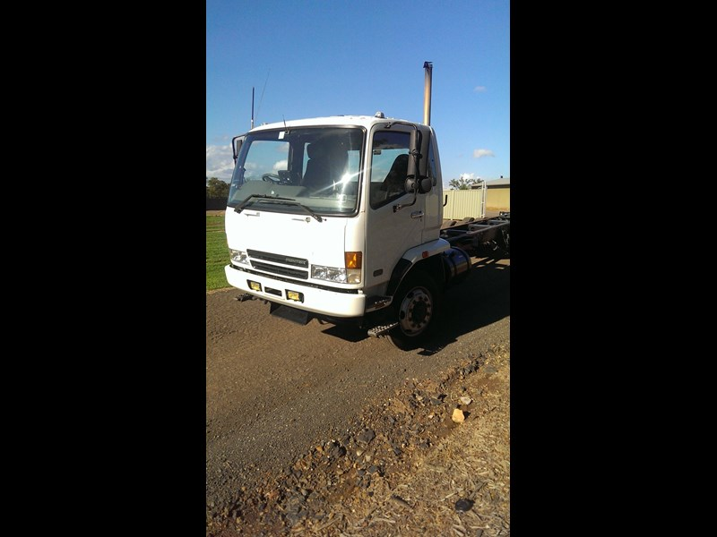 fuso fighter 284429 003