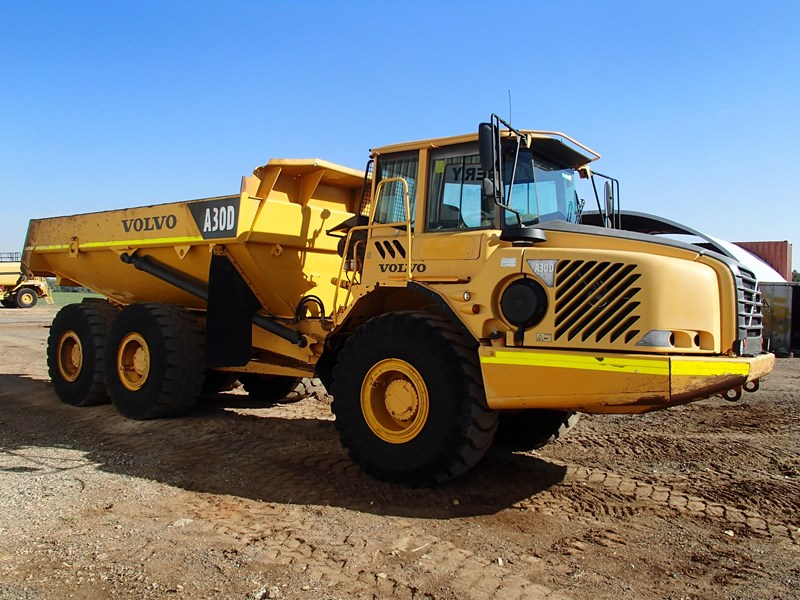 volvo a30d 284446 002