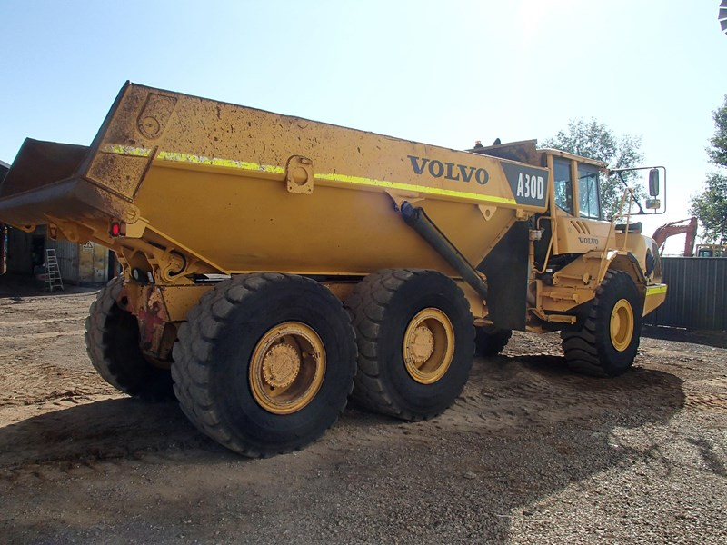 volvo a30d 284446 004