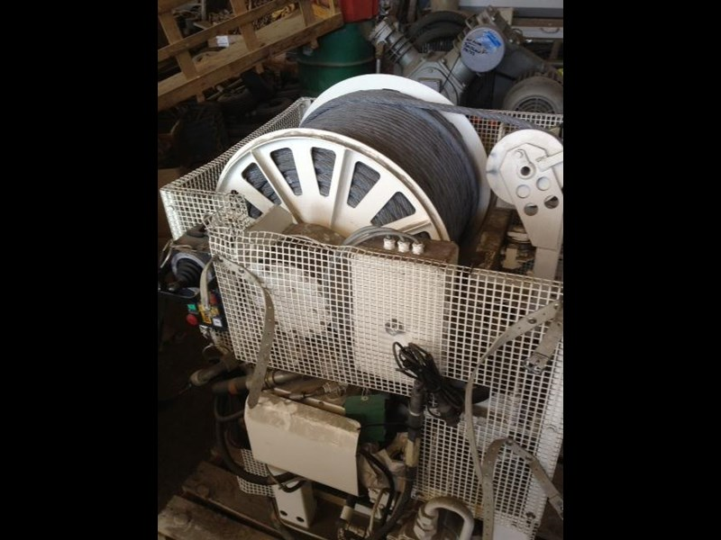 other large hydraulic winch 289209 001