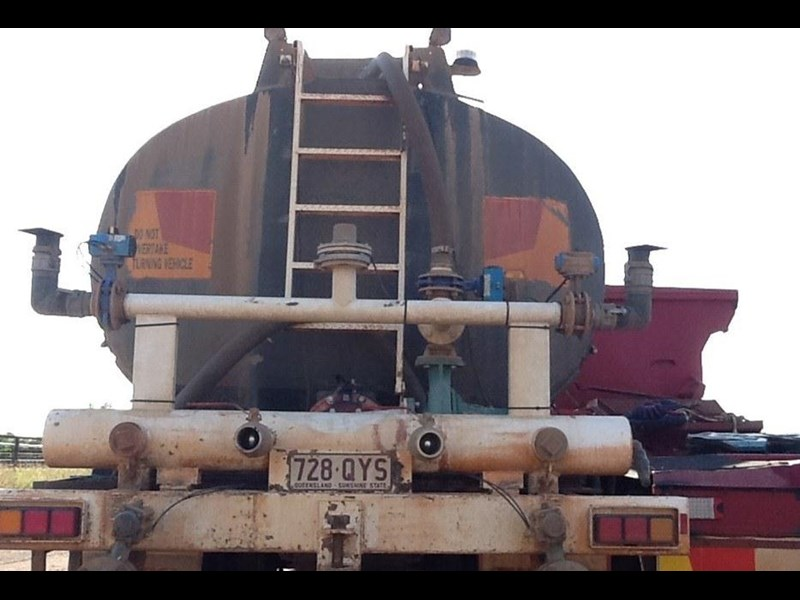 custom tri axle water tanks 296216 002