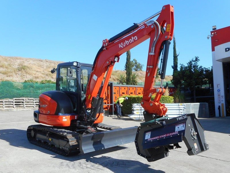 kubota u57 5.5t excavator kx57 kx057 fitted with 724mm flail mower [attslash][attmulch][machkubo] 297376 001