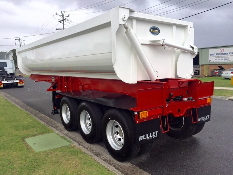 bullet tri axle side tipper 297037 003