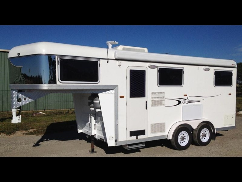 custom built 6.8 camper 298108 001