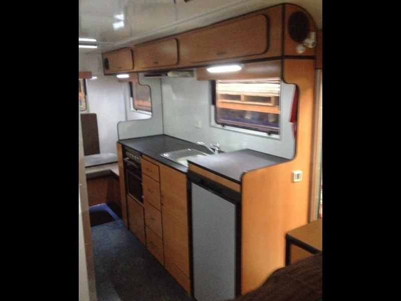 custom built 6.8 camper 298108 005