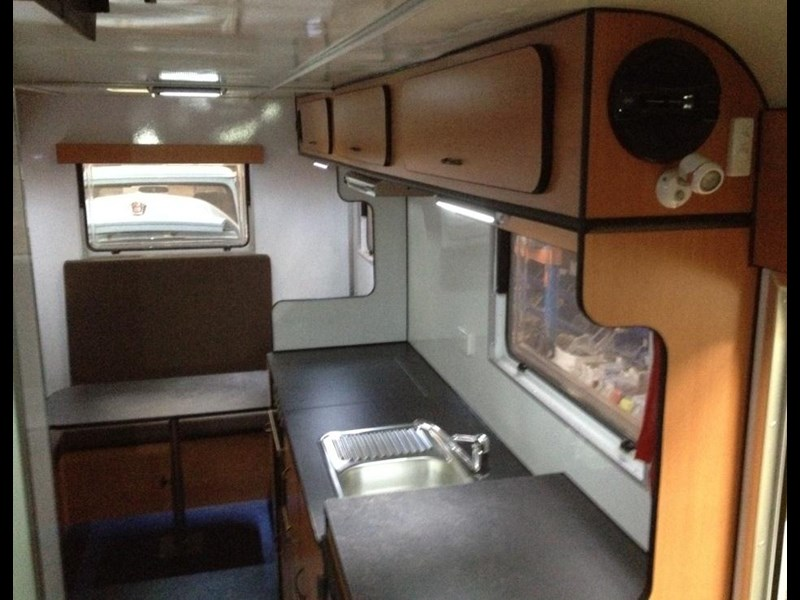 custom built 6.8 camper 298108 007