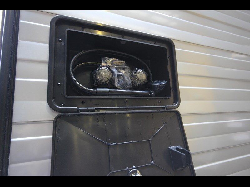 westernport caravans flawless 21' - off road 299450 023