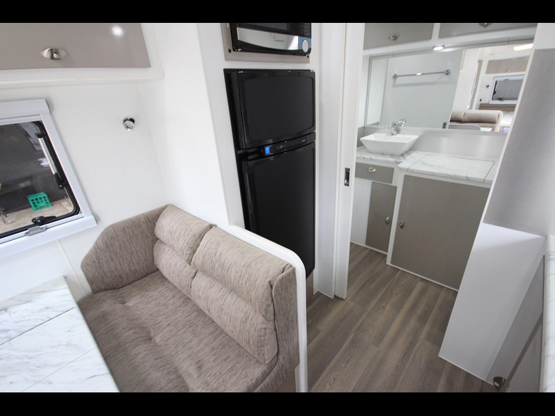 westernport caravans flawless 21' - off road 299450 047
