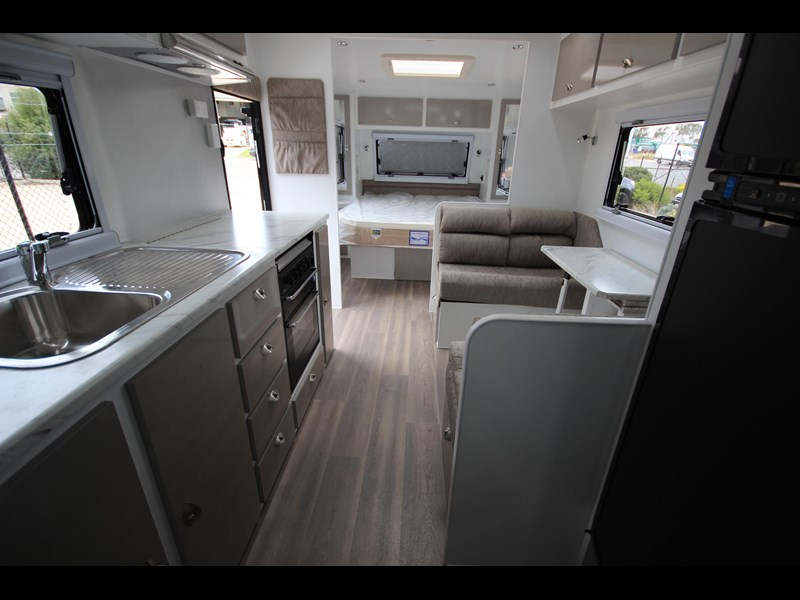 westernport caravans flawless 21' - off road 299450 055