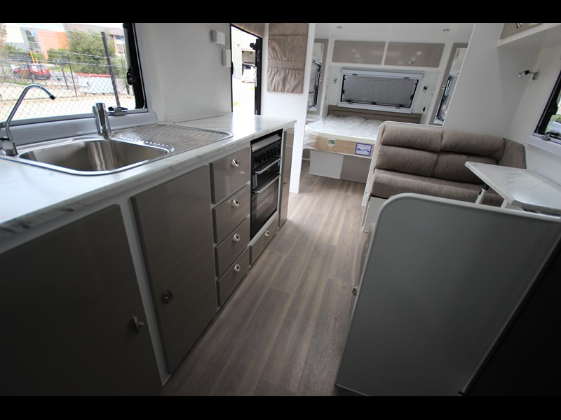 westernport caravans flawless 21' - off road 299450 057