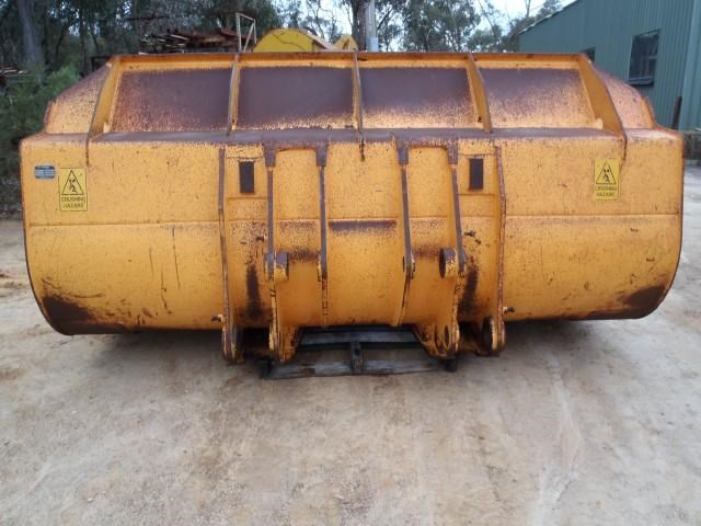 hyundai loader bucket 300145 015