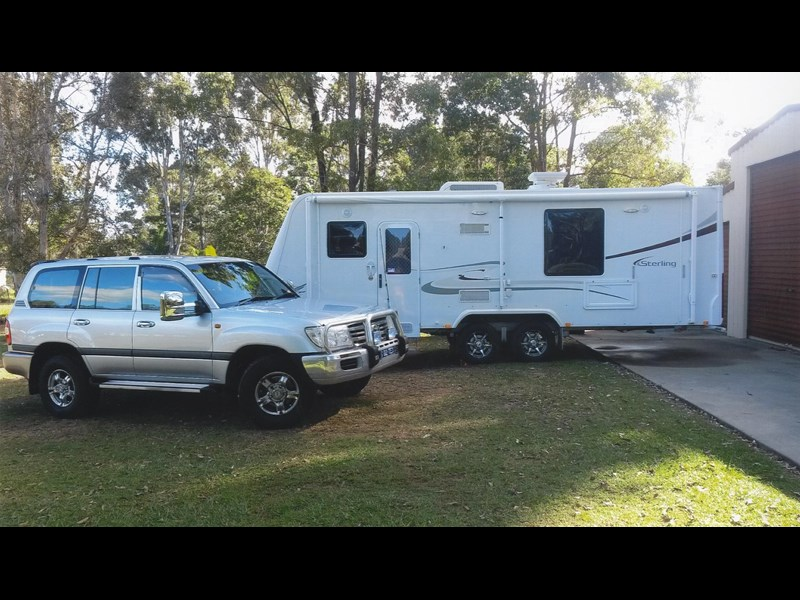 jayco sterling  2010 & 2005 landcruiser 302157 001