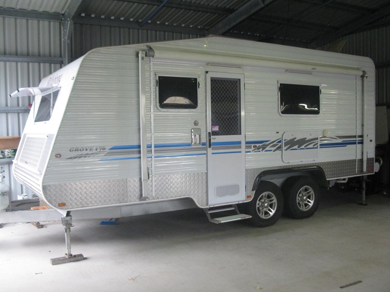 billabong custom caravans grove176 290726 007