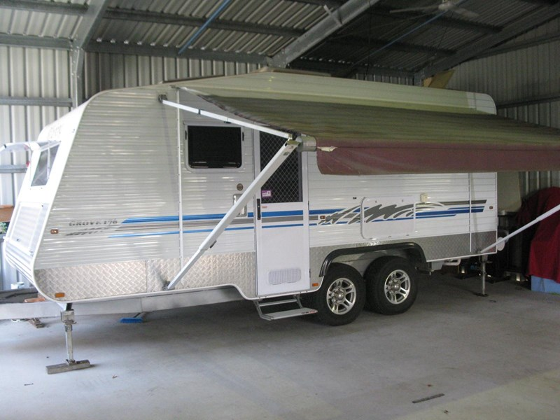 billabong custom caravans grove176 290726 001