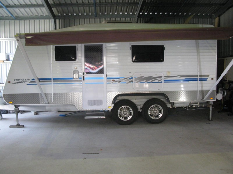 billabong custom caravans grove176 290726 003