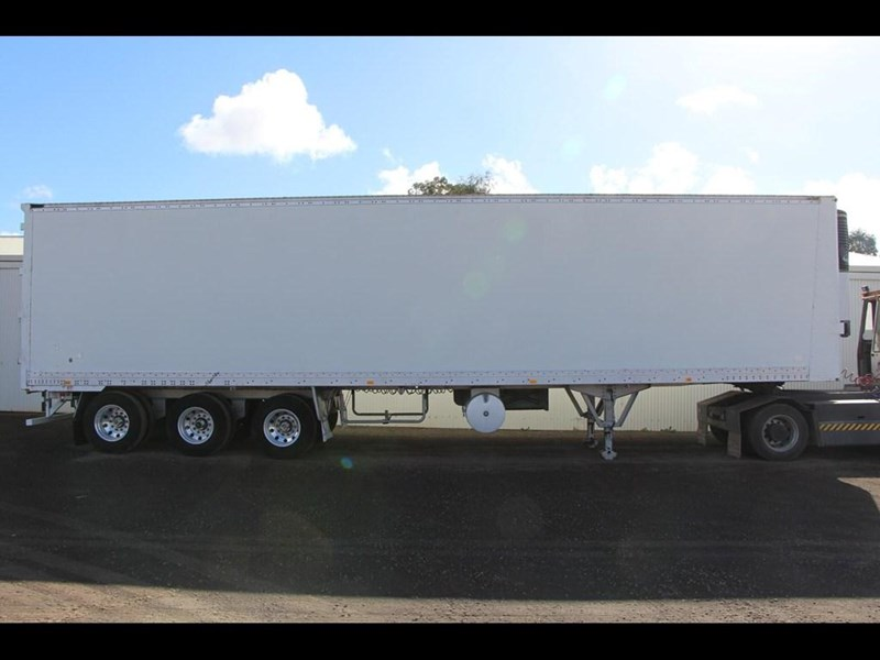 maxi-cube 45ft refrigerated pantech trailer 303437 001