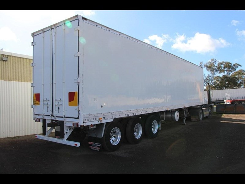 maxi-cube 45ft refrigerated pantech trailer 303437 025