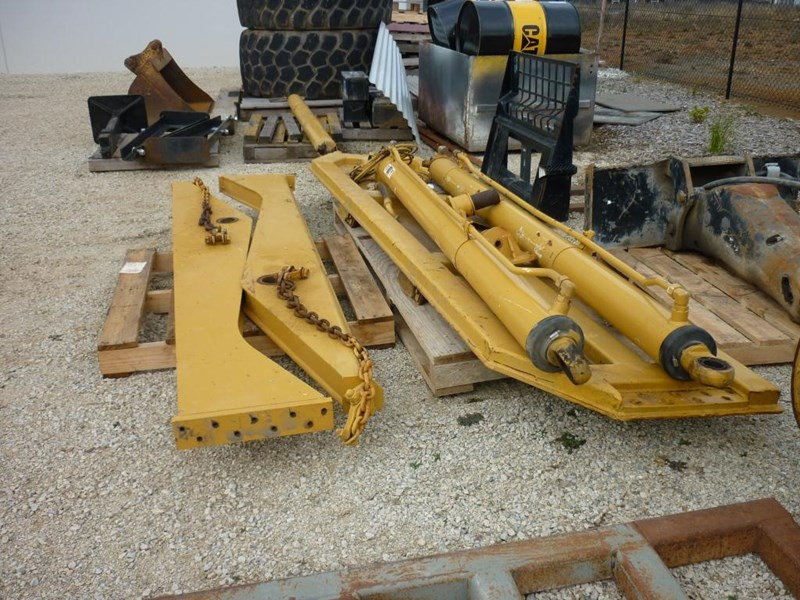 caterpillar 740 dump body lift cylinders 305322 017