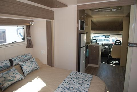 sunliner holiday luxury motorhome 306049 021