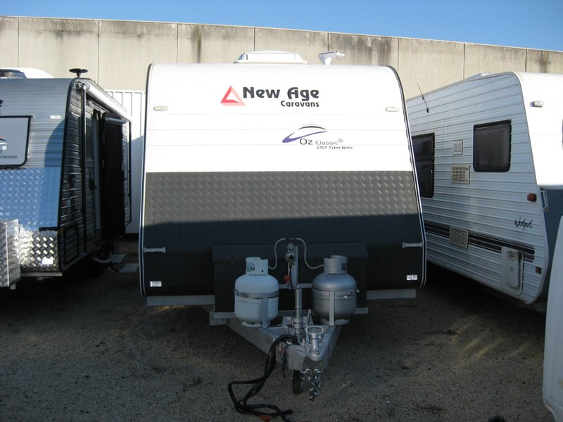 new age oz classic 22ft ensuite 306014 007