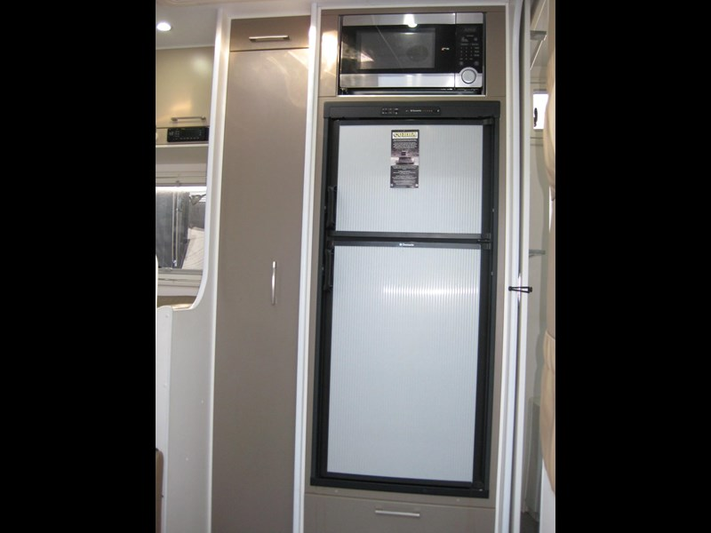new age oz classic 22ft ensuite 306014 011
